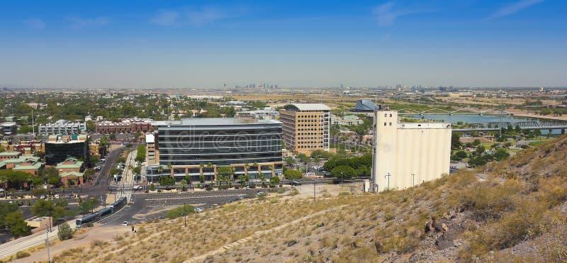 Панорамный взгляд бульвара мельницы, Tempe стоковые фото