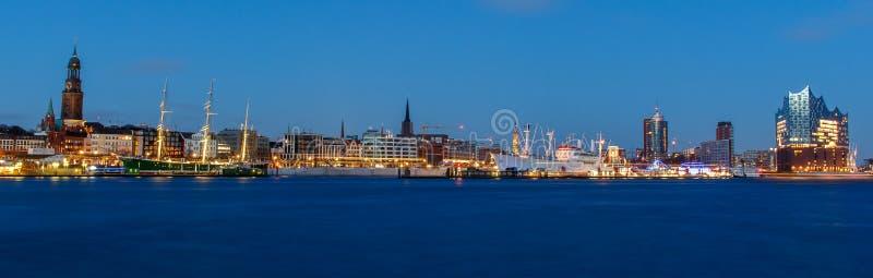 Панорамный взгляд гавани Гамбурга стоковая фотография
