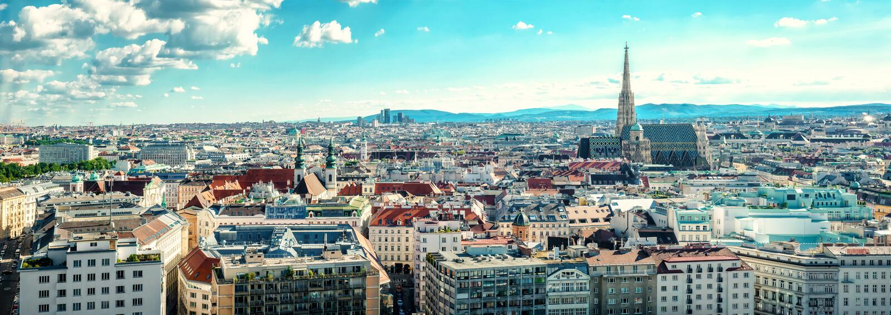 Панорамный взгляд города вены стоковые изображения rf