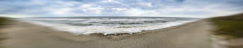 Панорамный взгляд грозы причаливая побережью, Флориде стоковые изображения