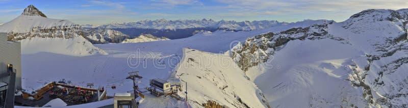 Панорамный взгляд ледника 3000 Les Diablerets, Gstaad стоковые фото