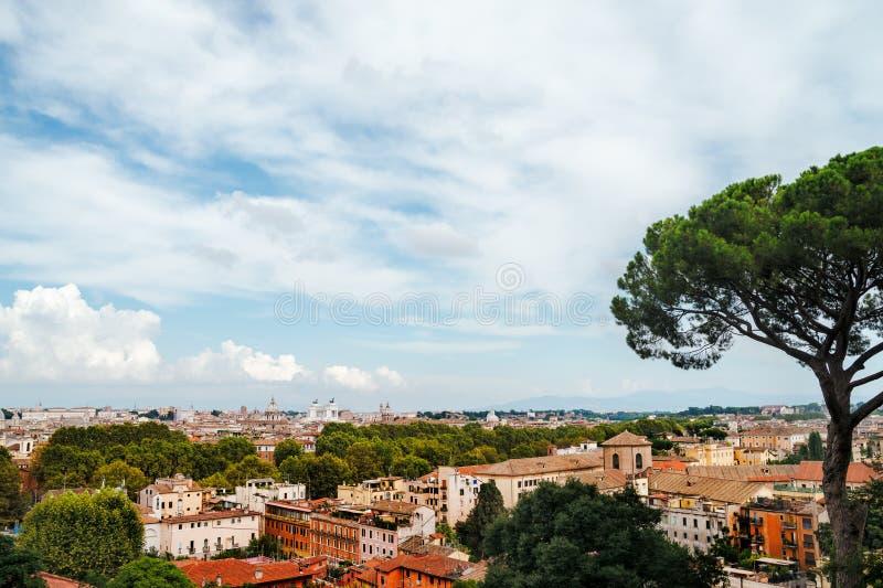 Панорамный взгляд исторического центра Рима стоковая фотография
