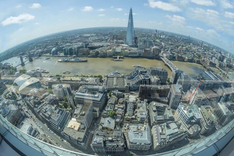Панорамный взгляд Лондона от сада неба в звуковом кино Walkie стоковое фото