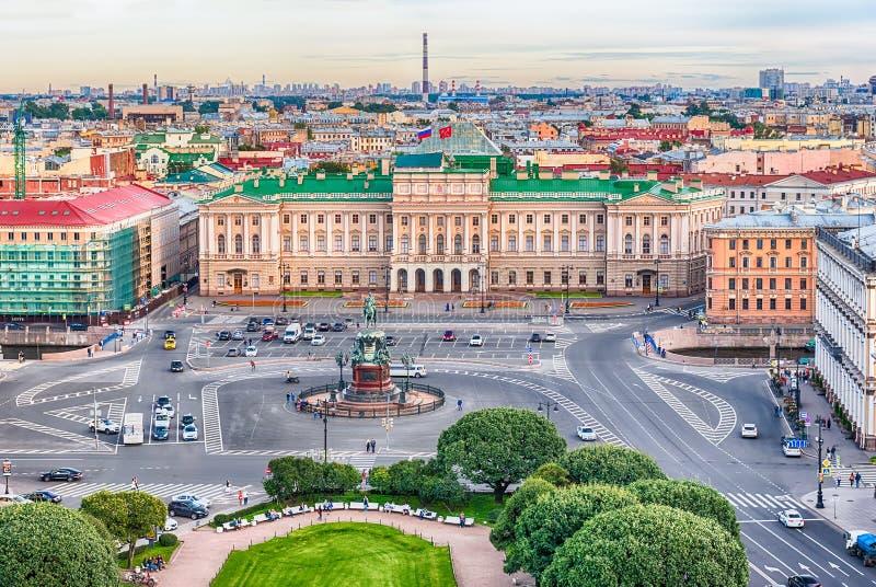 Панорамный взгляд над Санкт-Петербургом, Россией, от кота St Исаак стоковое фото rf