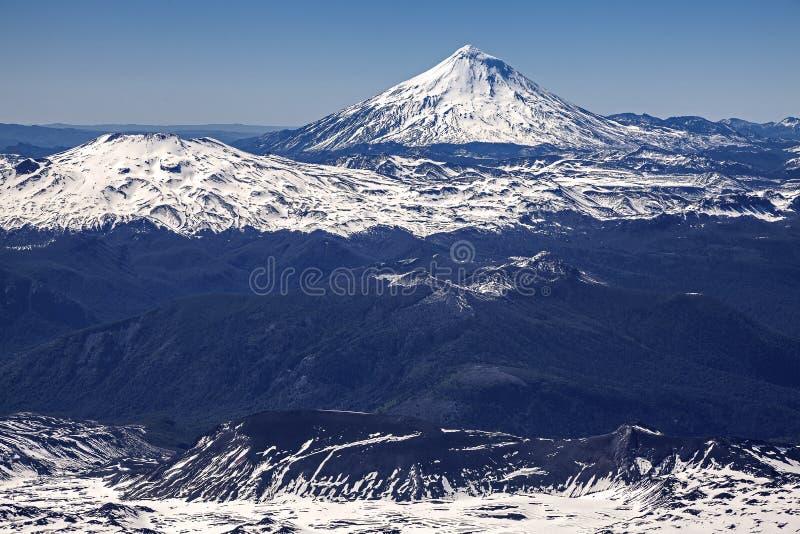 Панорамный взгляд от вулкана Villarica, Чили. стоковые изображения