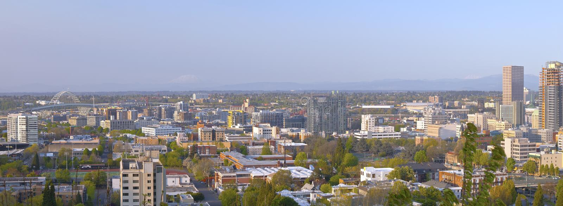 Панорамный взгляд промышленной зоны Портленда Орегона стоковая фотография rf