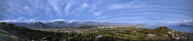 Панорамный взгляд пляжа Lanikai, Оаху, Гаваи от похода коробочек для таблеток стоковое изображение