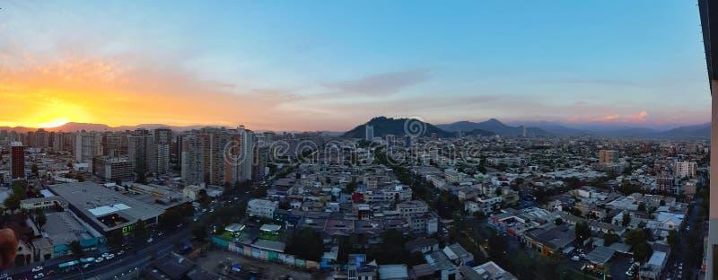 Download Панорамный взгляд Сантьяго Чили Редакционное Фотография - изображение: 89904167