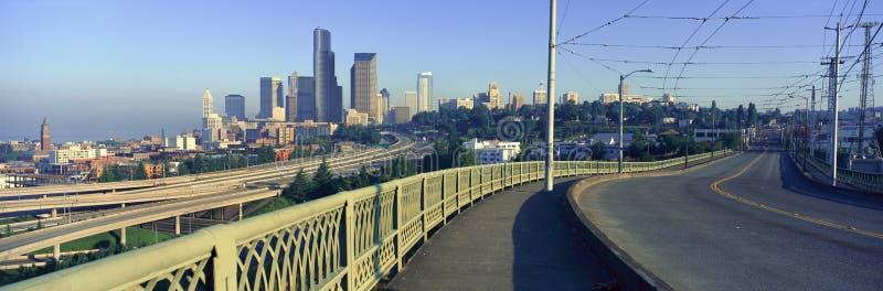 Панорамный взгляд Сиэтл, горизонта WA в утре стоковое фото rf