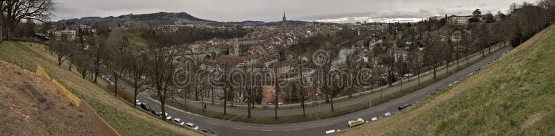 Панорамный взгляд старого города Bern на восходе солнца Швейцария стоковое изображение