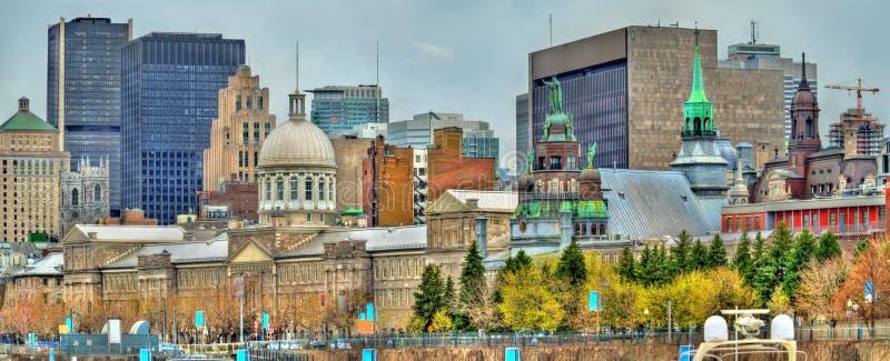Панорамный взгляд старого Монреаля с рынком Bonsecours - Канадой стоковые изображения