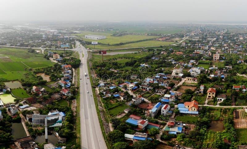 Панорамный вид красивого входа улицы города стоковые фотографии rf