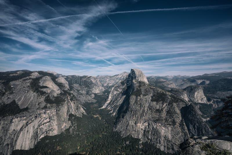 Панорамный вид национального парка Yosemite от острословия пункта Washburn стоковые фото