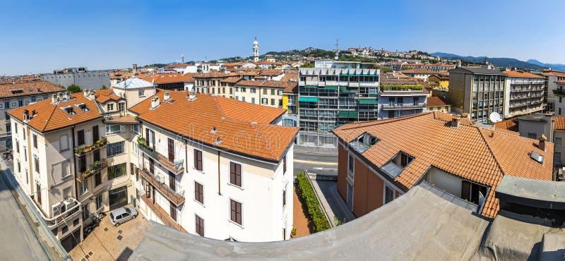 Панорамный вид на город Бергамо, Ломбардия, Италия стоковое изображение