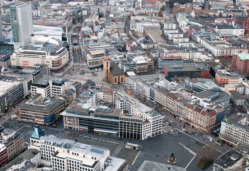 Панорамный вид на город Франкфурт - финансовый центр Германии Европа стоковые фото