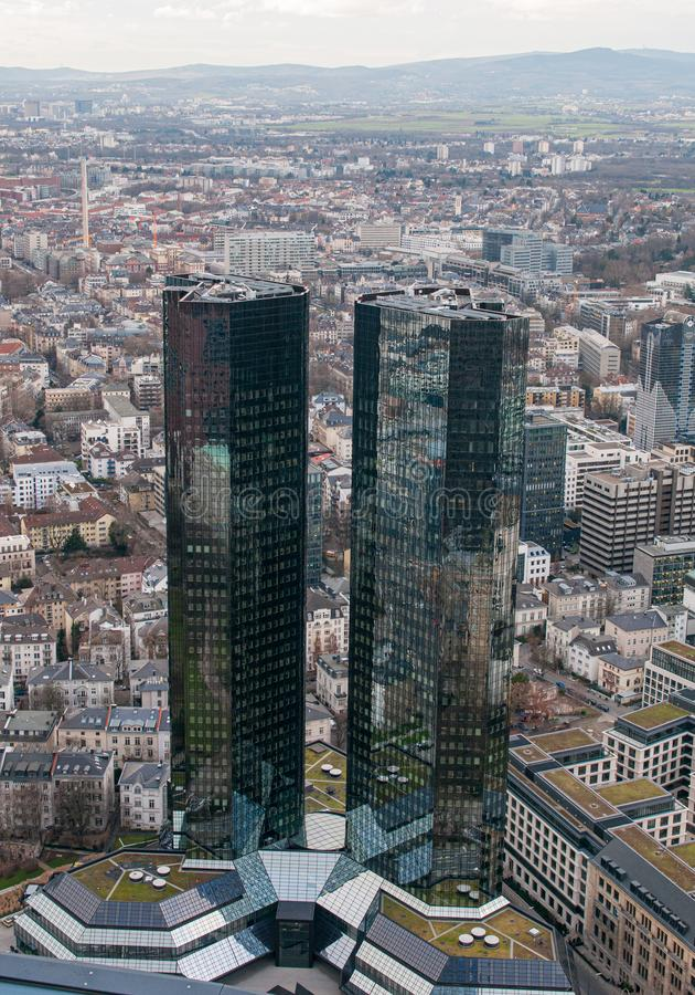 Панорамный вид на город Франкфурт - финансовый центр Германии Европа стоковые фотографии rf
