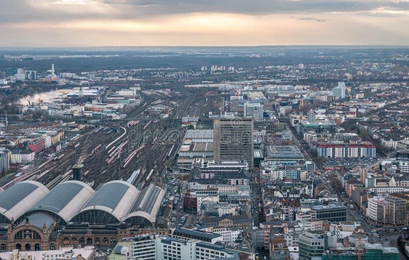 Панорамный вид на город Франкфурт - финансовый центр Германии Европа стоковое фото