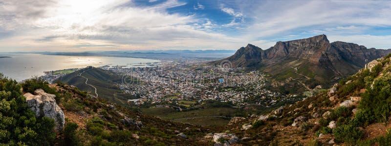 Панорамный вид на Кейптауне стоковые изображения rf