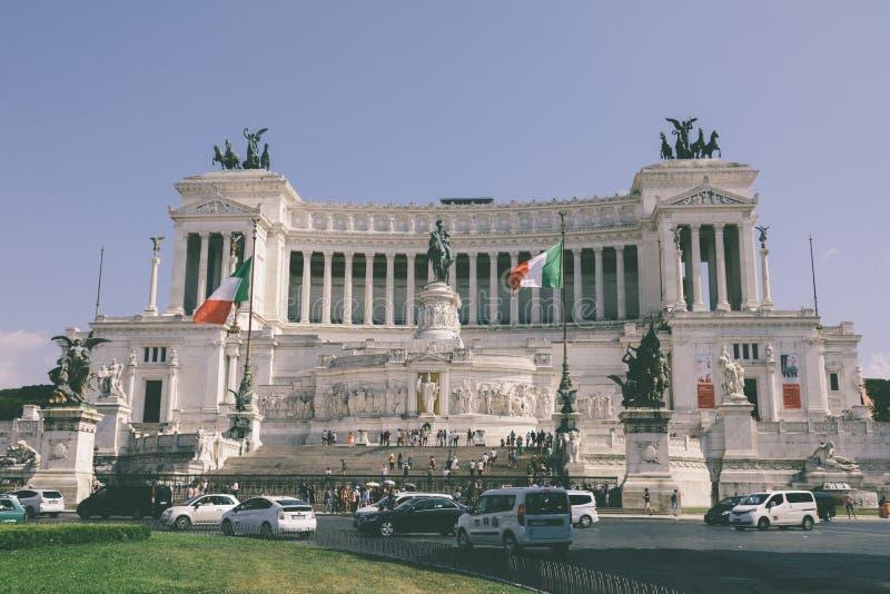 Панорамный вид спереди музея памятник Vittorio Emanuele II стоковые изображения rf