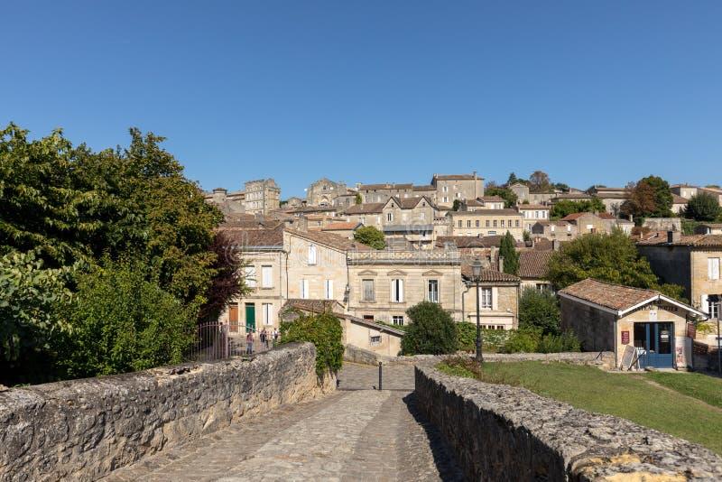 Панорамный вид St Emilion, Франции стоковые изображения rf