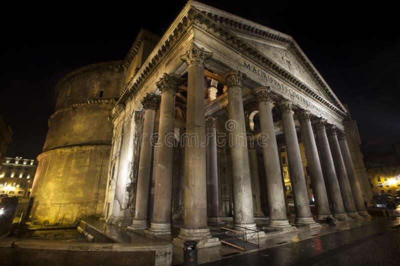 Пантеон, историческое здание в Риме, Италии - ноче стоковое фото