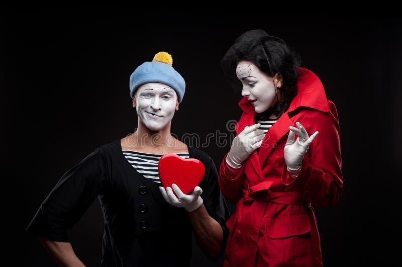 Пантомимы в влюбленности стоковое изображение