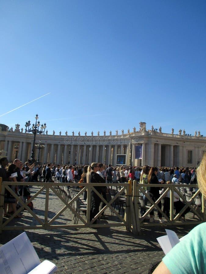 Папа Фрэнсис Roma Италия массы St Peter квадрата Ватикана стоковые фото
