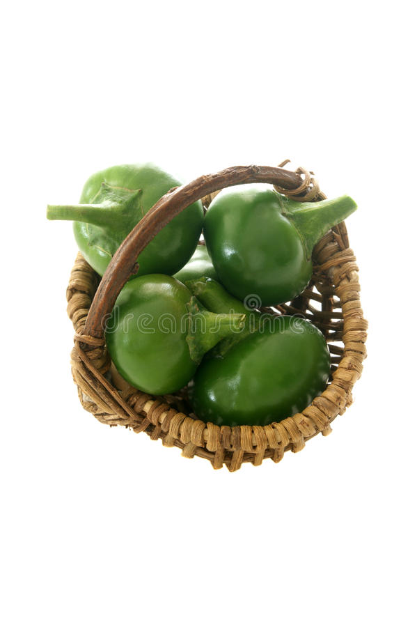 паприка зеленого цвета вишни корзины стоковое фото rf