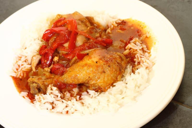Паприка цыпленка с рисом b стоковая фотография rf