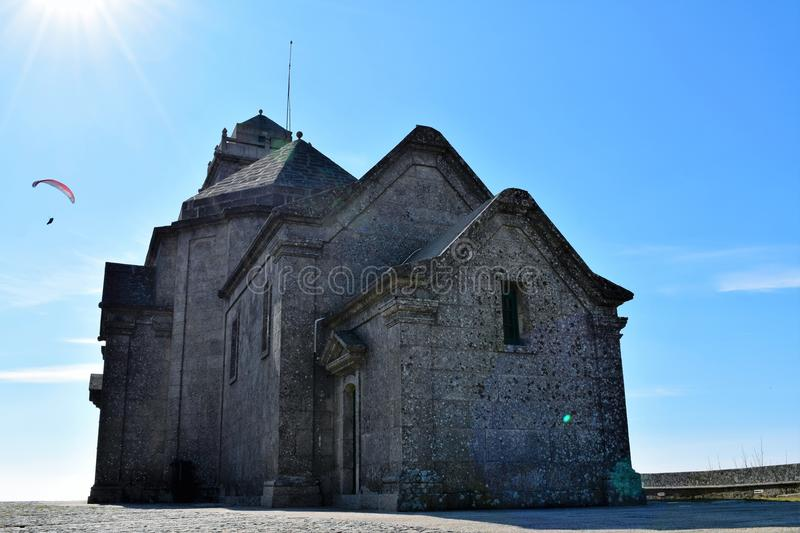 Параглайдинг в Португалии стоковое изображение