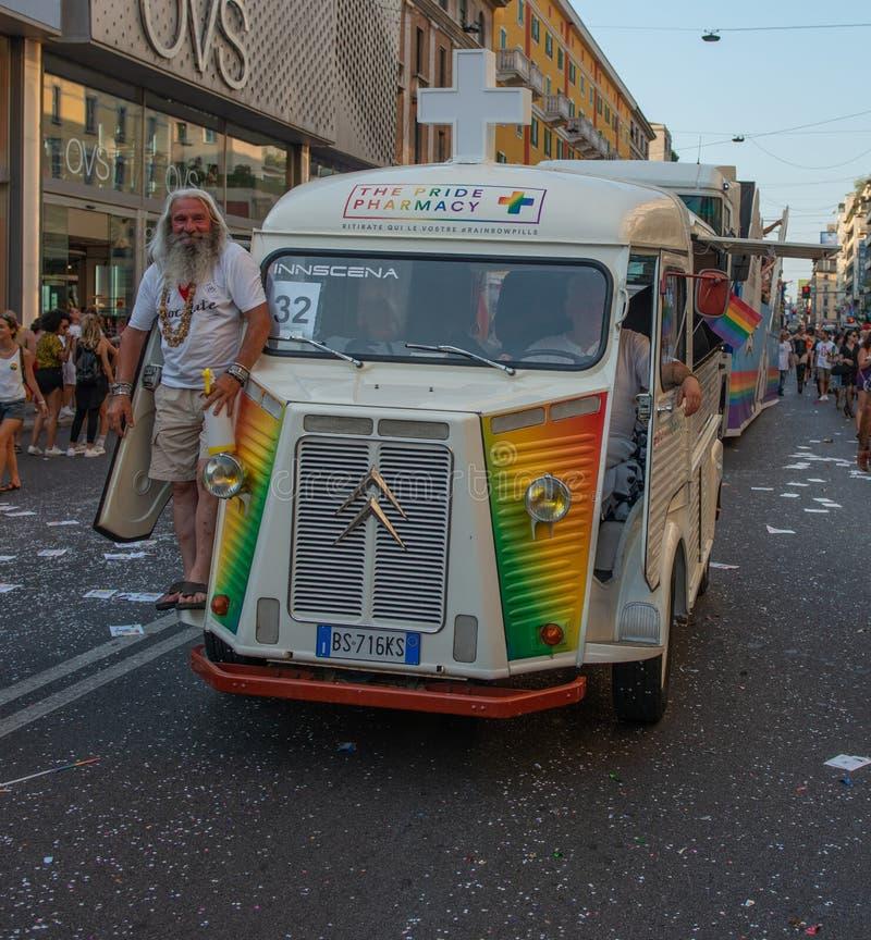 Парад гей-парада в Милане стоковые фотографии rf