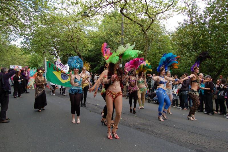 парад Глазго празднества конца масленицы западный стоковые фото
