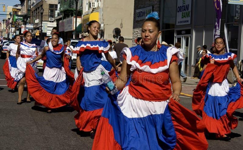 парад dominican дня стоковые изображения