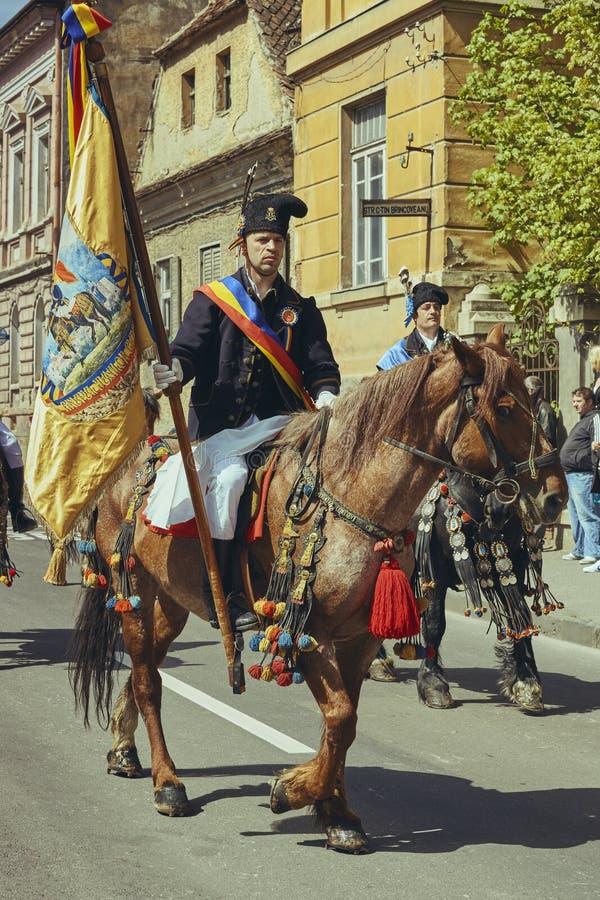 Парад Junii Brasovului, Brasov, Румыния стоковые изображения