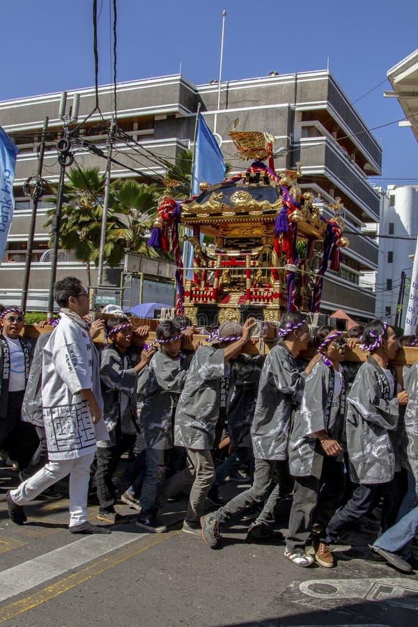 Парад Mikoshi от Японии в фестивале 2019 Азии Африки стоковые изображения rf