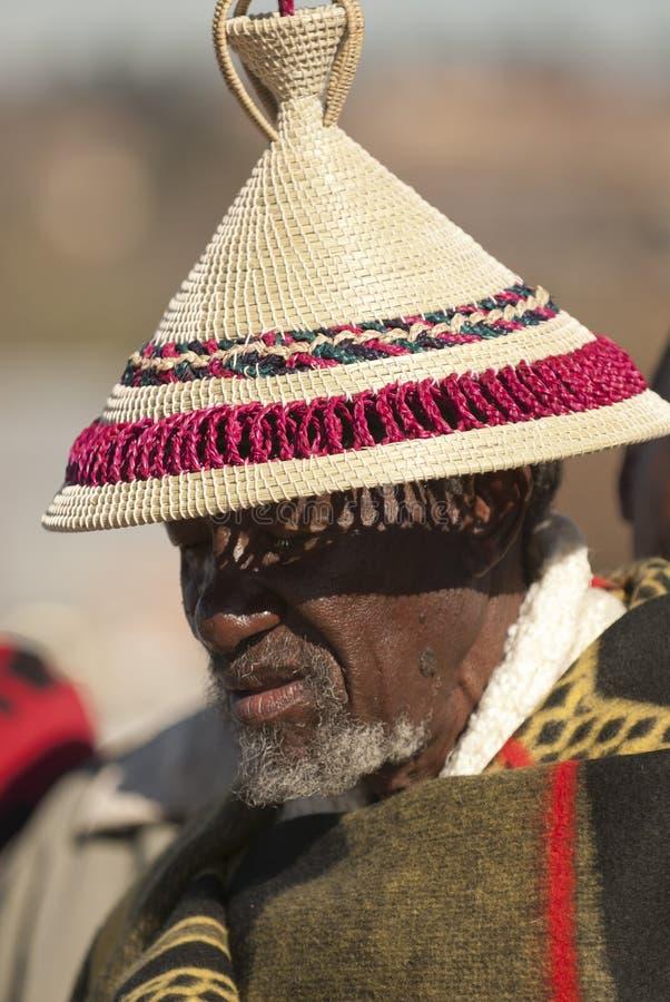парад s человека короля шлема basotho стоковое фото