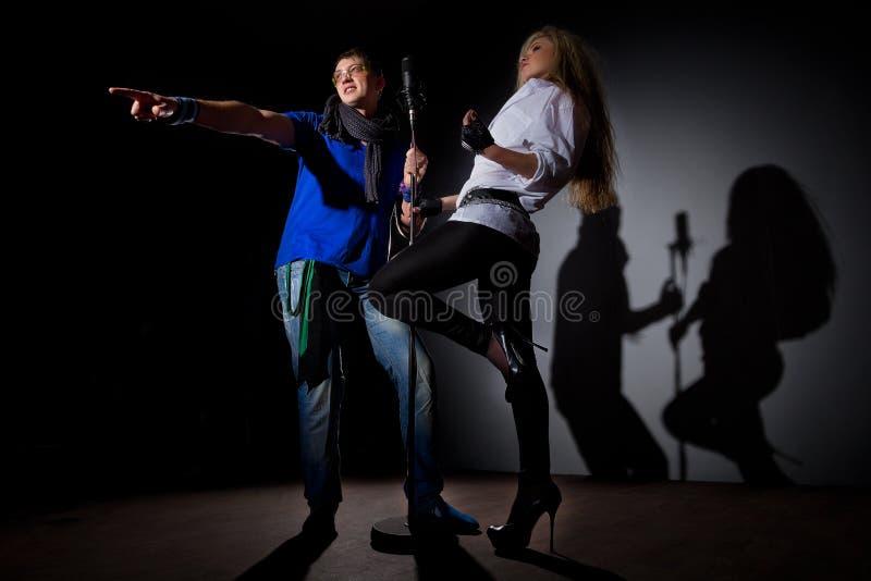 Певицы стоковое изображение