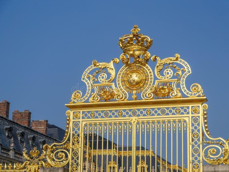 Парадные ворота дворца Версаль стоковое фото rf