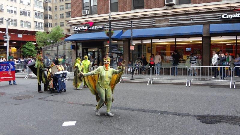 Парад Нью-Йорк 7 2013 танцев стоковые изображения