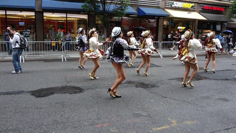 Парад Нью-Йорк 9 2013 танцев стоковое изображение rf