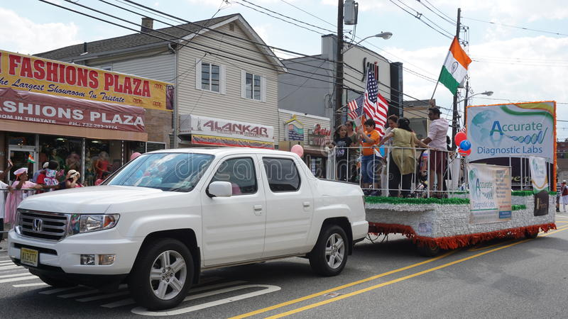 парад дня Индии 2015 ежегодников в Edison, Нью-Джерси стоковая фотография
