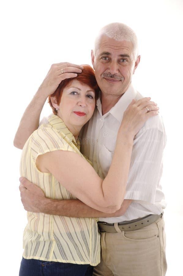 пара обнимает старший стоковые фото