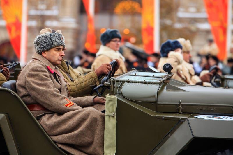 Парад предназначил к 7-ое ноября 1941 на красной площади в Москве 75th годовщина стоковые фото