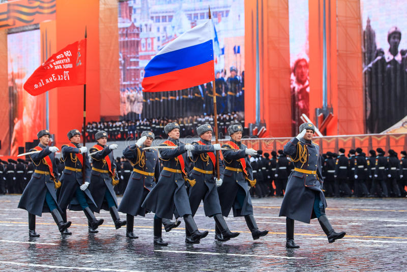 Парад предназначил к 7-ое ноября 1941 на красной площади в Москве 75th годовщина стоковое изображение rf