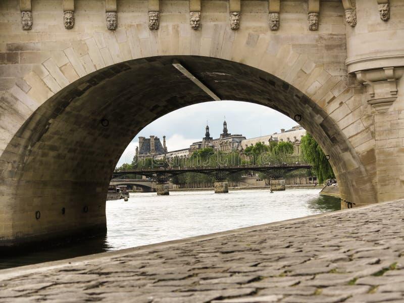 Париж до Pont de la конкорд стоковое фото rf