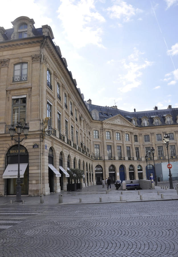 Париж, 19-ое июля: Здание площади Vendome историческое от Парижа в Франции стоковая фотография