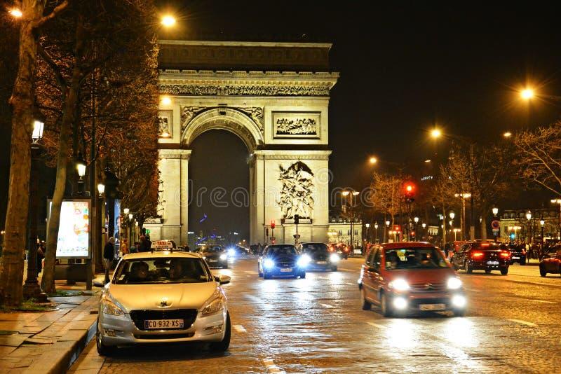 Париж Франция, Триумфальная Арка стоковое изображение