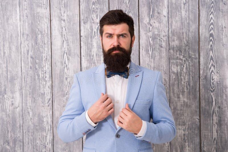 Парикмахер стиля джентльмена Ряд предложения парикмахерской пакетов для холит Концепция парикмахерской Борода и усик Гай хорошо стоковые фотографии rf