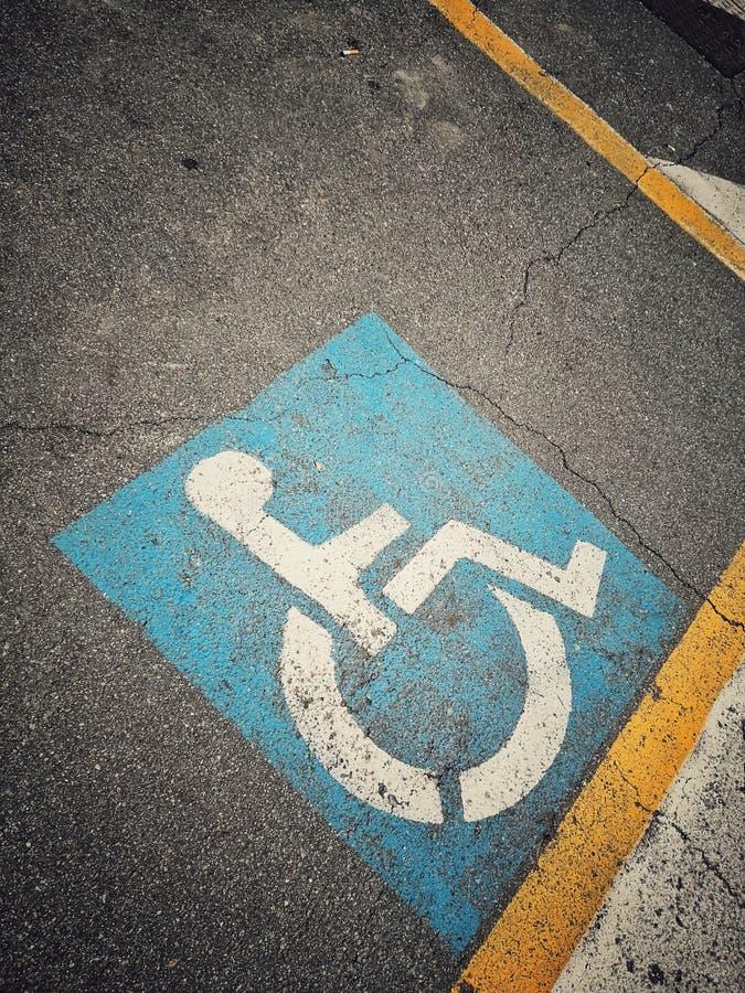Парковка инвалида пустая стоковое фото