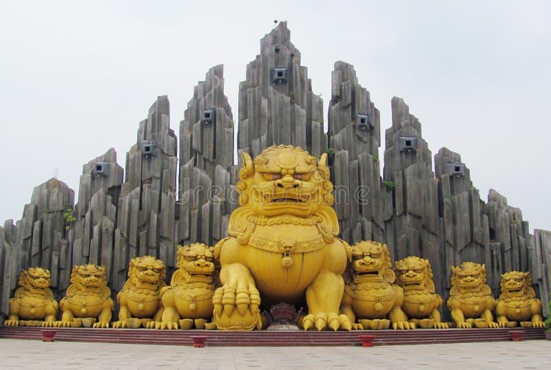 Парк атракционов темы Suoi Tien в Хошимине, Вьетнаме стоковое изображение